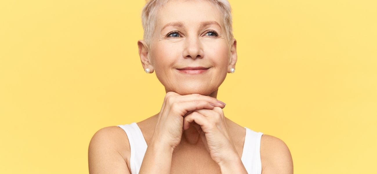 mujer-edad-avanzada-con-envejecimiento-cutaneo